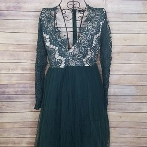 NWOT Shein lace layered v neck L dress